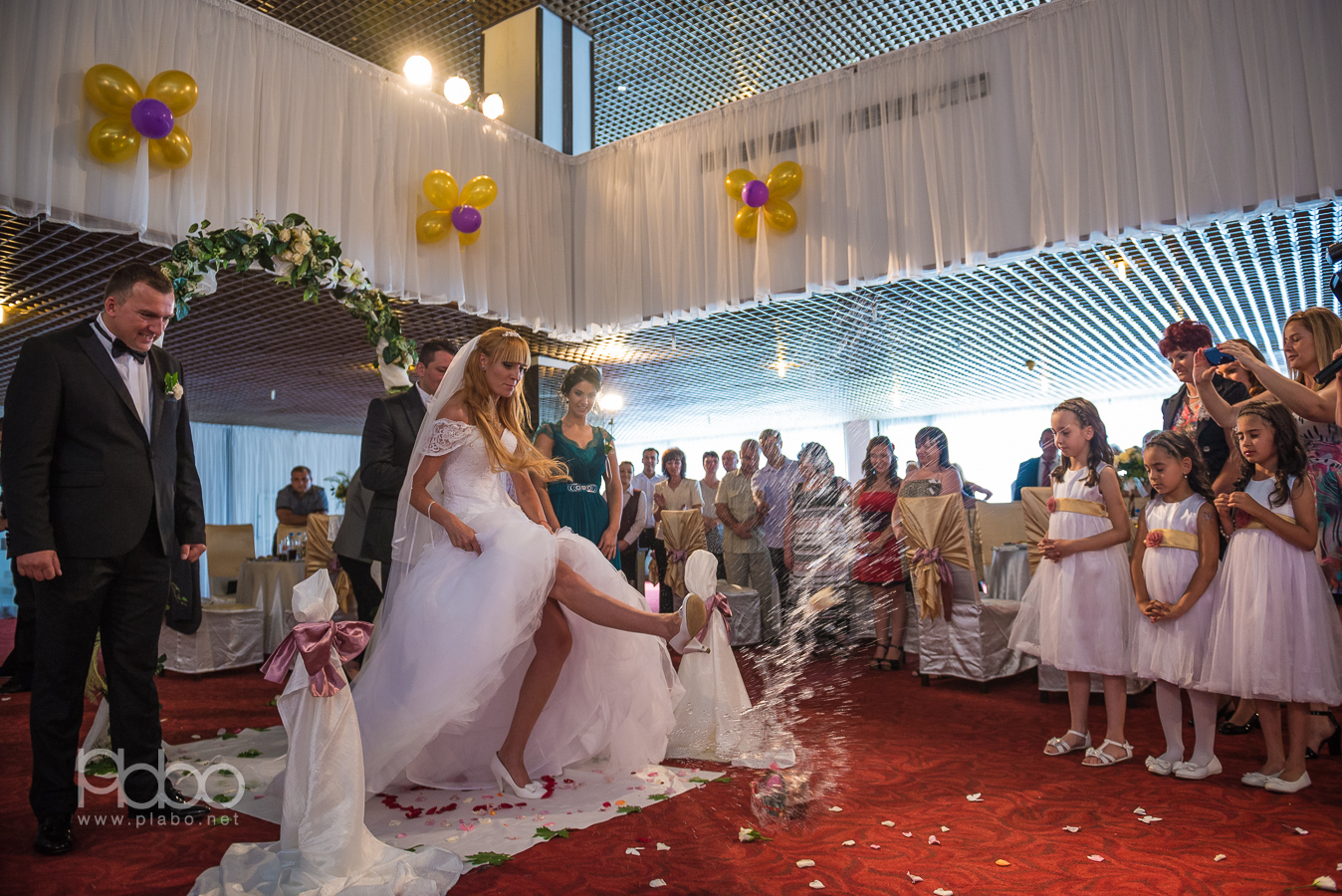 Царската сватба на Антон и Роси